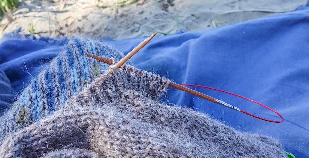 Einrum knitting